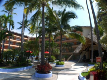 tiki-to-pool_Mexico-Assisted-Living-e1409005204220